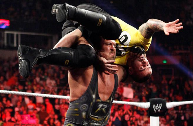 CM Punk Ryback TV Review: WWE Monday Night Raw (10/15/12)